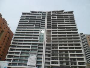 Apartamento En Venta En Valencia, La Trigaleña, Venezuela, VE RAH: 17-3578