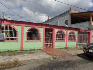 Casa En Venta En Valencia, Fundacion Mendoza, Venezuela, VE RAH: 17-4125