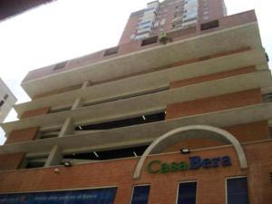 Apartamento En Venta En Caracas, Parroquia La Candelaria, Venezuela, VE RAH: 17-3587