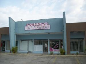 Local Comercial En Ventaen Municipio Los Guayos, Paraparal, Venezuela, VE RAH: 17-3598