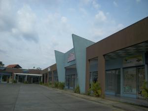 Local Comercial En Ventaen Municipio Los Guayos, Paraparal, Venezuela, VE RAH: 17-4113