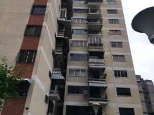 Apartamento En Venta En Caracas, El Recreo, Venezuela, VE RAH: 17-3608