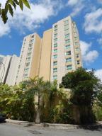 Apartamento En Venta En Caracas, Las Mesetas De Santa Rosa De Lima, Venezuela, VE RAH: 17-3625