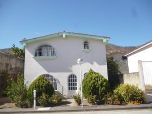 Townhouse En Venta En La Victoria, San Homero, Venezuela, VE RAH: 17-3624