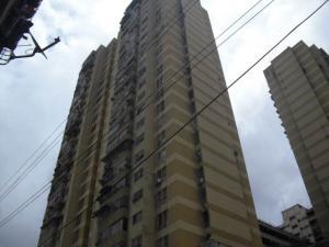 Apartamento En Venta En Caracas, Parroquia Santa Rosalia, Venezuela, VE RAH: 17-3767