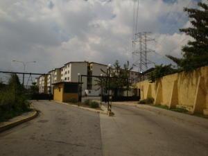 Apartamento En Venta En Municipio Los Guayos, Paraparal, Venezuela, VE RAH: 17-3629