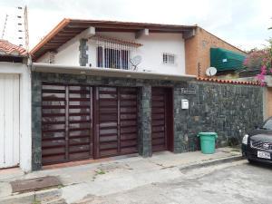 Casa En Venta En Caracas, Alto Prado, Venezuela, VE RAH: 17-3637