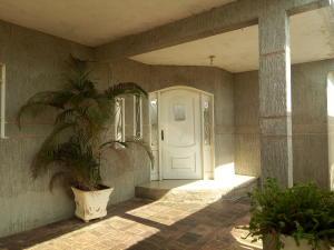 Casa En Venta En Cabimas, Los Laureles, Venezuela, VE RAH: 17-3658