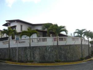 Casa En Venta En Caracas, Los Naranjos Del Cafetal, Venezuela, VE RAH: 17-3711