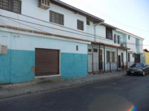 Casa En Venta En Valencia, San Blas, Venezuela, VE RAH: 17-3721