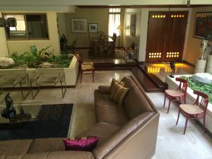 Casa En Venta En Maracaibo, Avenida Baralt, Venezuela, VE RAH: 17-3732