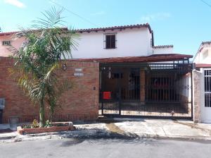 Casa En Venta En Municipio Naguanagua, Carialinda, Venezuela, VE RAH: 17-3761