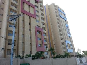 Apartamento En Venta En Maracaibo, Avenida Bella Vista, Venezuela, VE RAH: 17-3748