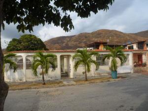 Casa En Venta En Turmero, Valle Fresco, Venezuela, VE RAH: 17-3808