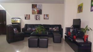 Apartamento En Venta En Maracaibo, Valle Frio, Venezuela, VE RAH: 16-17653