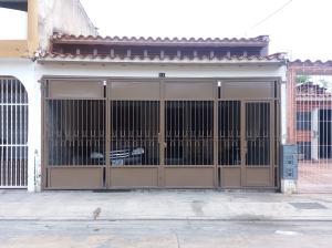 Casa En Venta En Municipio San Diego, Los Jarales, Venezuela, VE RAH: 17-3791