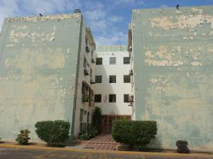 Apartamento En Venta En Maracaibo, Pomona, Venezuela, VE RAH: 17-3769