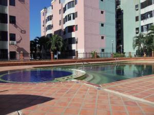 Apartamento En Venta En Valencia, Los Caobos, Venezuela, VE RAH: 17-3780