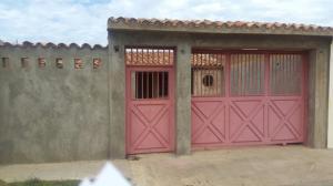 Casa En Venta En Punto Fijo, Puerta Maraven, Venezuela, VE RAH: 17-3807