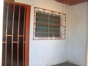 Local Comercial En Venta En Guacara, Centro, Venezuela, VE RAH: 17-3810