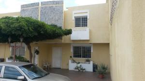 Townhouse En Venta En Maracaibo, Monte Bello, Venezuela, VE RAH: 17-3849