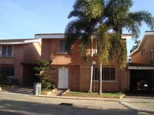 Casa En Venta En Valencia, Guataparo, Venezuela, VE RAH: 17-3870