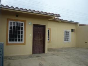 Casa En Venta En Guacara, Ciudad Alianza, Venezuela, VE RAH: 17-3876