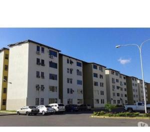 Apartamento En Venta En Municipio Los Guayos, Paraparal, Venezuela, VE RAH: 17-3880
