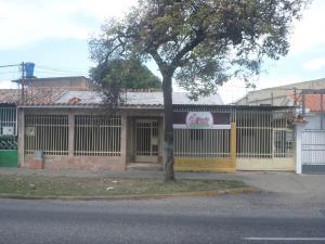 Casa En Venta En Barquisimeto, Avenida Libertador, Venezuela, VE RAH: 17-3892