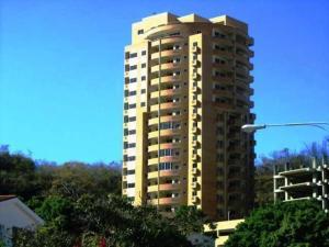 Apartamento En Venta En Valencia, El Parral, Venezuela, VE RAH: 17-4041