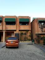 Townhouse En Venta En Caracas, Oripoto, Venezuela, VE RAH: 17-3922