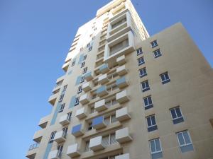 Apartamento En Venta En Maracaibo, Avenida Bella Vista, Venezuela, VE RAH: 17-3936