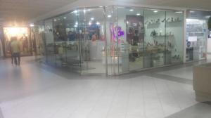 Local Comercial En Venta En Maracaibo, El Milagro, Venezuela, VE RAH: 17-3935