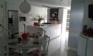 En Alquiler En Caracas - Alto Hatillo Código FLEX: 17-3959 No.14