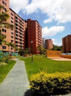 Apartamento En Venta En Caracas, Colinas De La Tahona, Venezuela, VE RAH: 17-3964