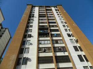 Apartamento En Venta En Los Teques, El Tambor, Venezuela, VE RAH: 17-4022