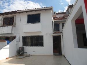 Casa En Venta En Municipio San Diego, Parqueserino, Venezuela, VE RAH: 17-4016