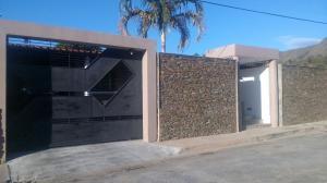 Casa En Venta En Municipio San Diego, La Cumaca, Venezuela, VE RAH: 17-4006