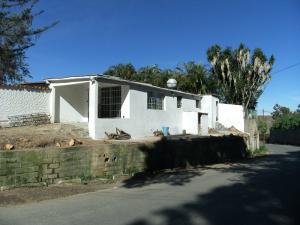 Casa En Venta En El Junquito-Vargas, El Junko Country Club, Venezuela, VE RAH: 17-4021