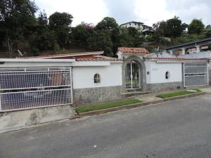 Casa En Venta En Caracas, La Boyera, Venezuela, VE RAH: 17-4025