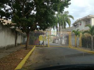 Casa En Venta En Valencia, Las Chimeneas, Venezuela, VE RAH: 17-4028
