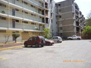 Apartamento En Venta En Maracay, Parque Aragua, Venezuela, VE RAH: 17-4051