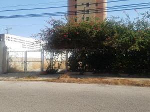 Terreno En Ventaen Maracaibo, Tierra Negra, Venezuela, VE RAH: 17-4052