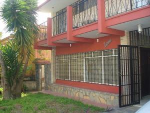 Casa En Venta En Caracas, Los Palos Grandes, Venezuela, VE RAH: 17-4100