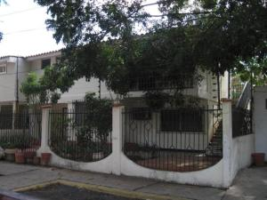 Townhouse En Venta En Maracaibo, Monte Claro, Venezuela, VE RAH: 17-4064