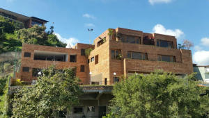 Casa En Venta En Caracas, Lomas De Las Mercedes, Venezuela, VE RAH: 17-4120