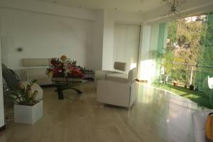 Apartamento En Venta En Caracas - Las Mesetas de Santa Rosa de Lima Código FLEX: 17-4172 No.2
