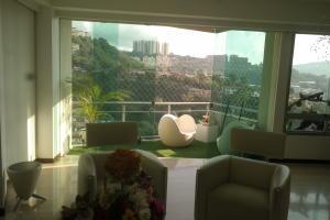 Apartamento En Venta En Caracas - Las Mesetas de Santa Rosa de Lima Código FLEX: 17-4172 No.6
