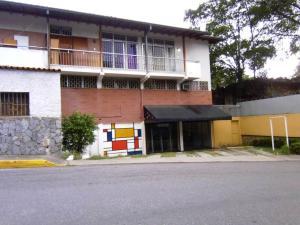 Local Comercial En Alquiler En Caracas, Los Palos Grandes, Venezuela, VE RAH: 17-4112