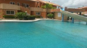 Townhouse En Venta En Chichiriviche, Flamingo, Venezuela, VE RAH: 17-4123